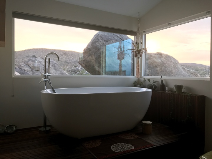 bathtub yucca valley flamingo heights house desert